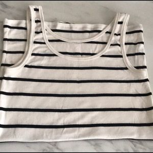 🌸Large New Day Cream and black striped Tee